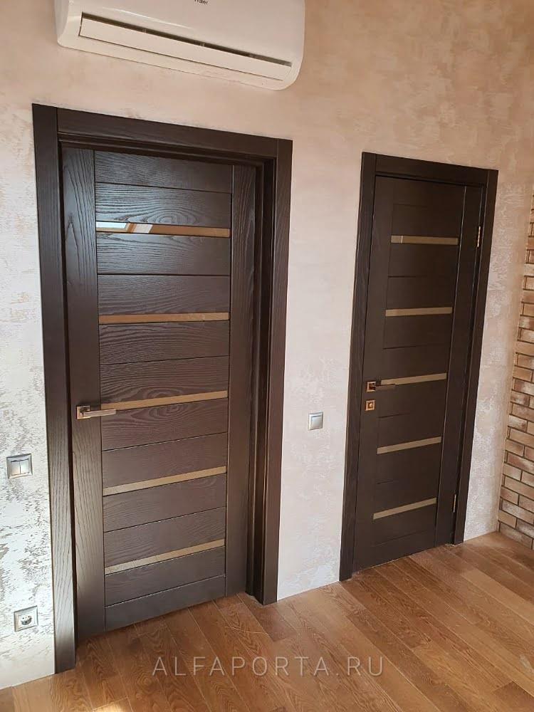 Установленные двери в ванную и туалет