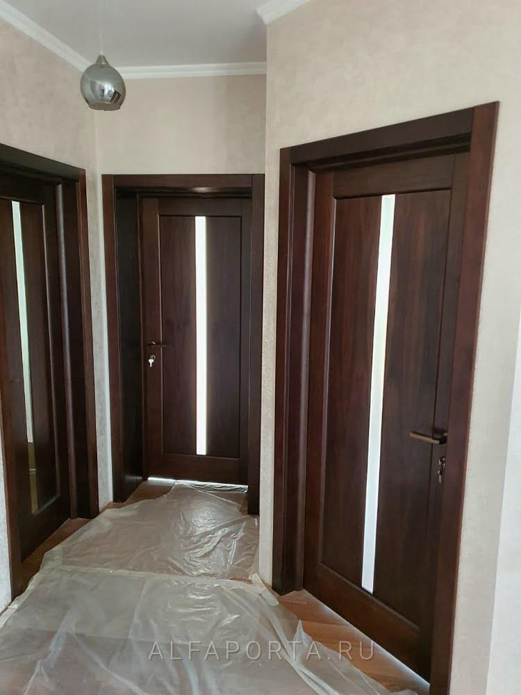Установленные межкомнатные двери в частном доме