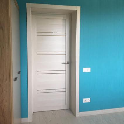 Установка межкомнатных дверей в частный дом | СНТ Лесное