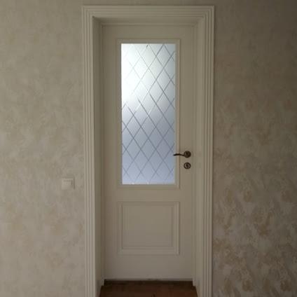 Установка межкомнатных дверей в частный дом | Пушкино