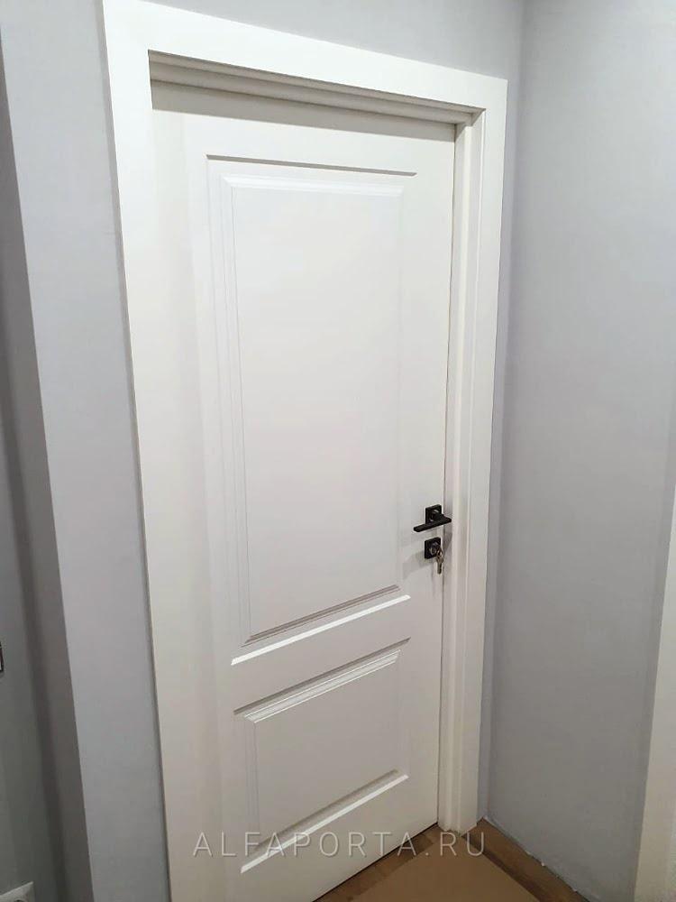 Установленная распашная дверь