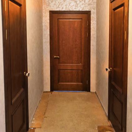Установка шпонированных дверей в частный дом | Щелково
